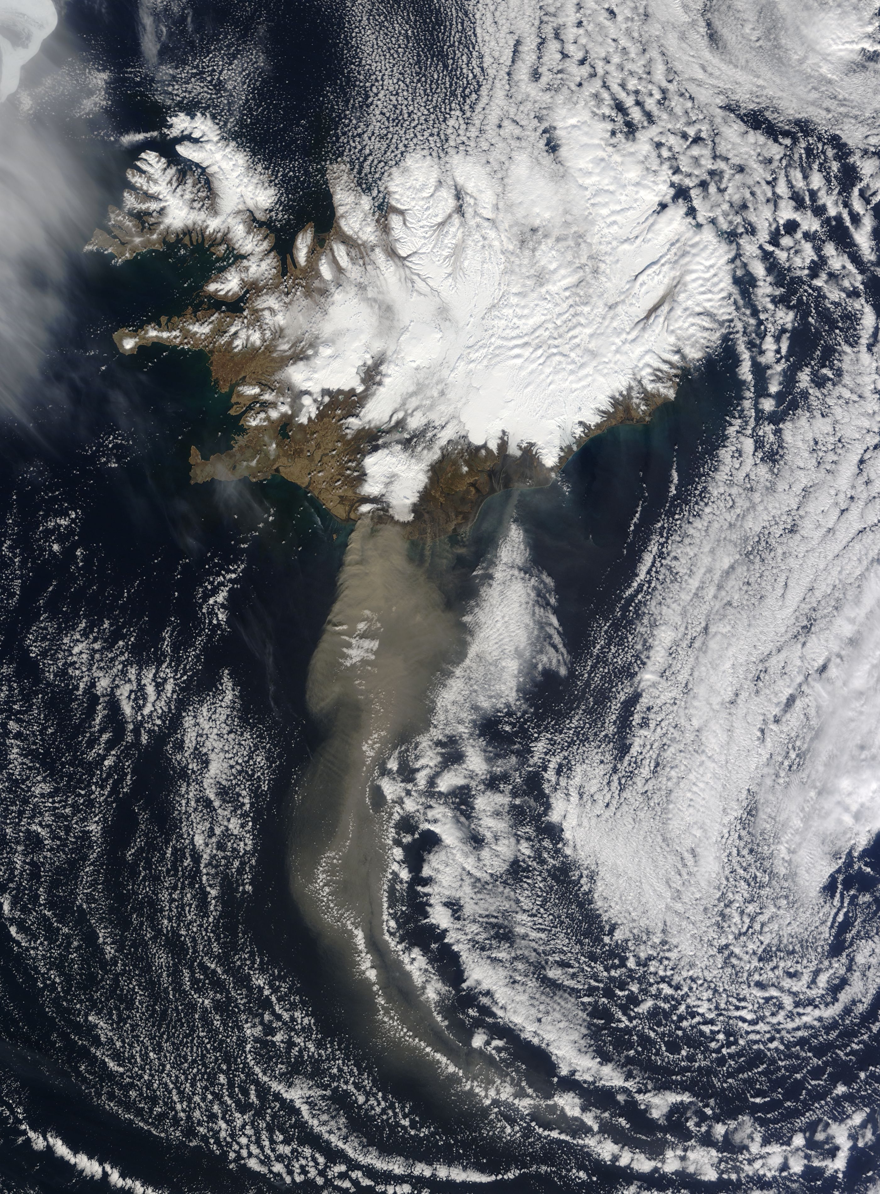 NASA Archive NASA Observes Ash Plume Of Icelandic Volcano - 14 amazing volcanic eruptions pictured space