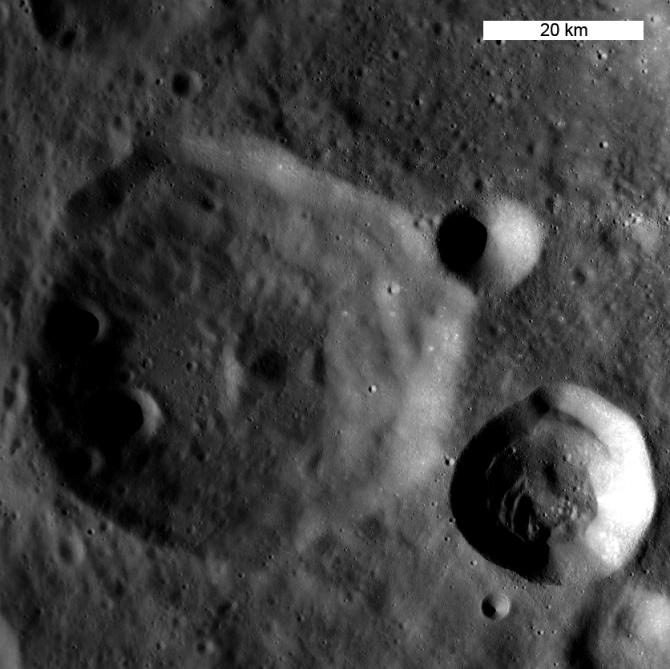 Nouvelles de la mission LRO (Lunar Reconnaissance Orbiter) 446674main_dante_area_670