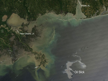 Oil Slick Spreads off Gulf Coast