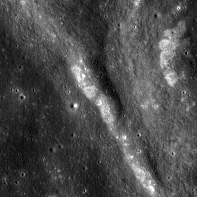 wrinkle ridges in Mare Tranquilitatis