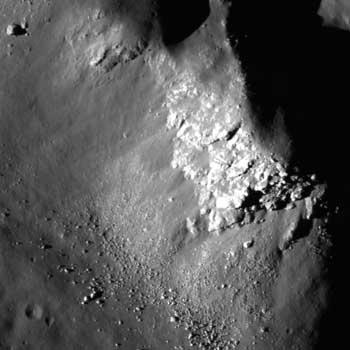 Nouvelles de la mission LRO (Lunar Reconnaissance Orbiter) 450787main_M102293451LE_th-serendipity_sm