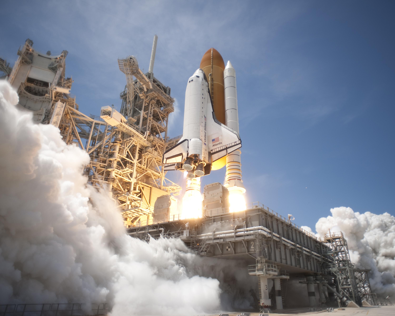 last space shuttle moon - photo #22