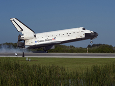 Atlantis touches down at Kennedy Space Center