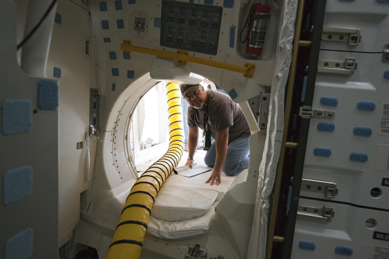 Working Inside the Shuttle : NASA : Free Download, Borrow ...