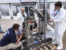 University students tune up their lunabots