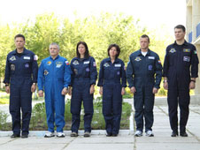 Prime and backup crews for the launch of the Soyuz TMA-19