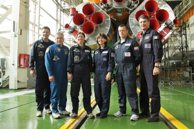 Expedition 24 prime and backup crews