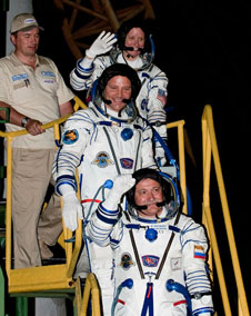201006160004hq: Expedition 24 crew members