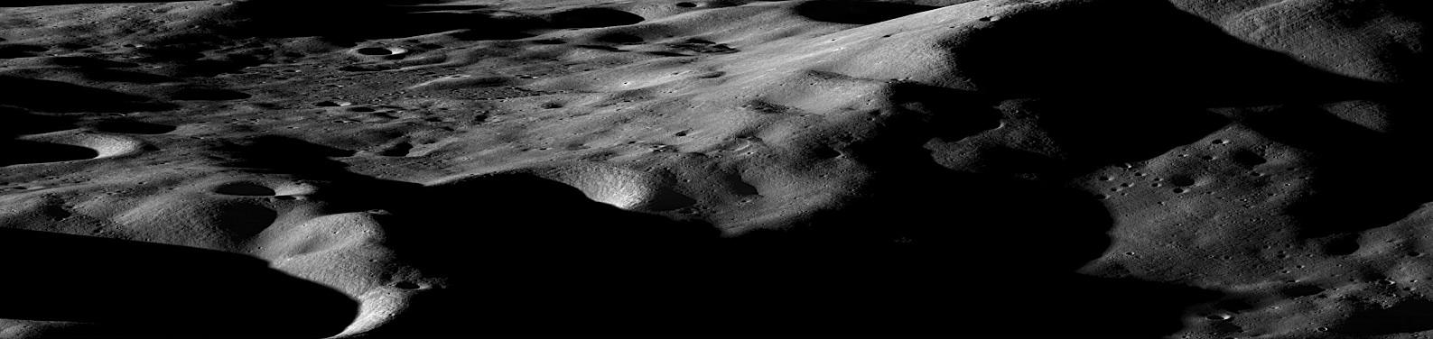 Nouvelles de la mission LRO (Lunar Reconnaissance Orbiter) 463883main_LRO_Mountains