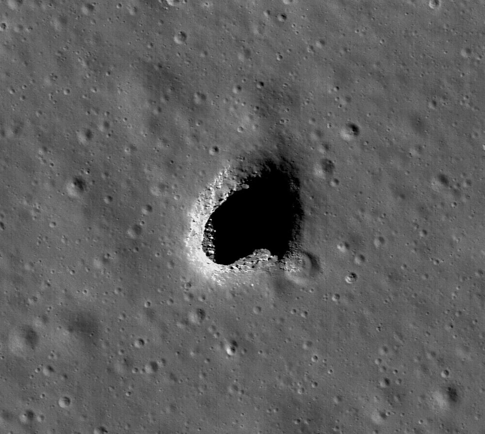 Nouvelles de la mission LRO (Lunar Reconnaissance Orbiter) 463900main_LRO_skylight