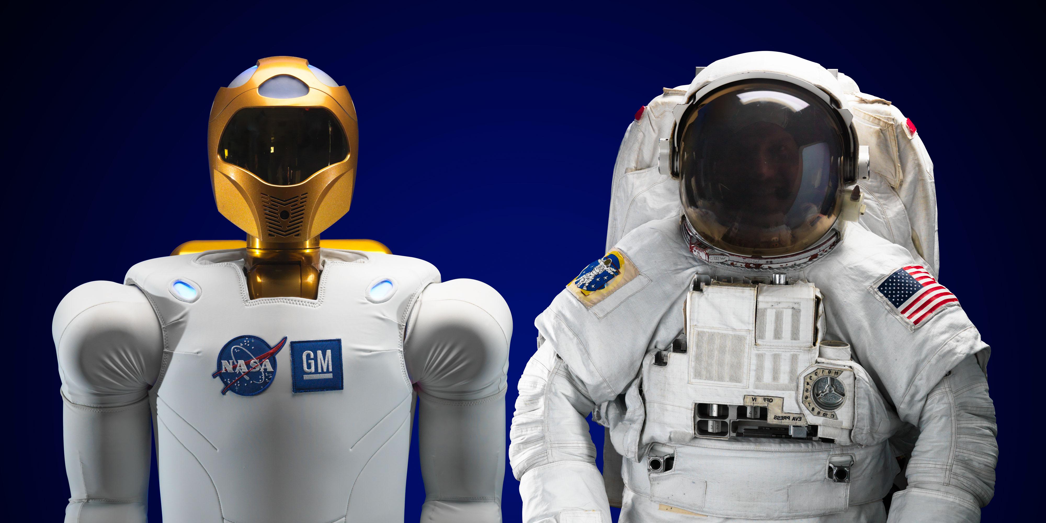 astronaut + robot2.jpg