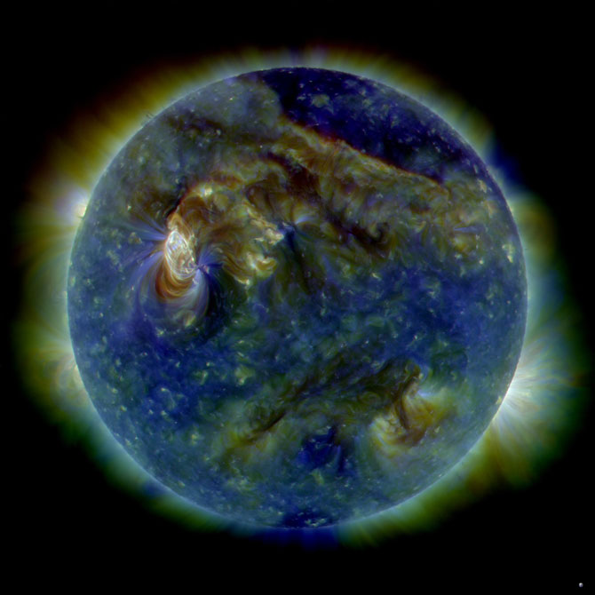 SDO tri-color image of solar event on 08.01.10/