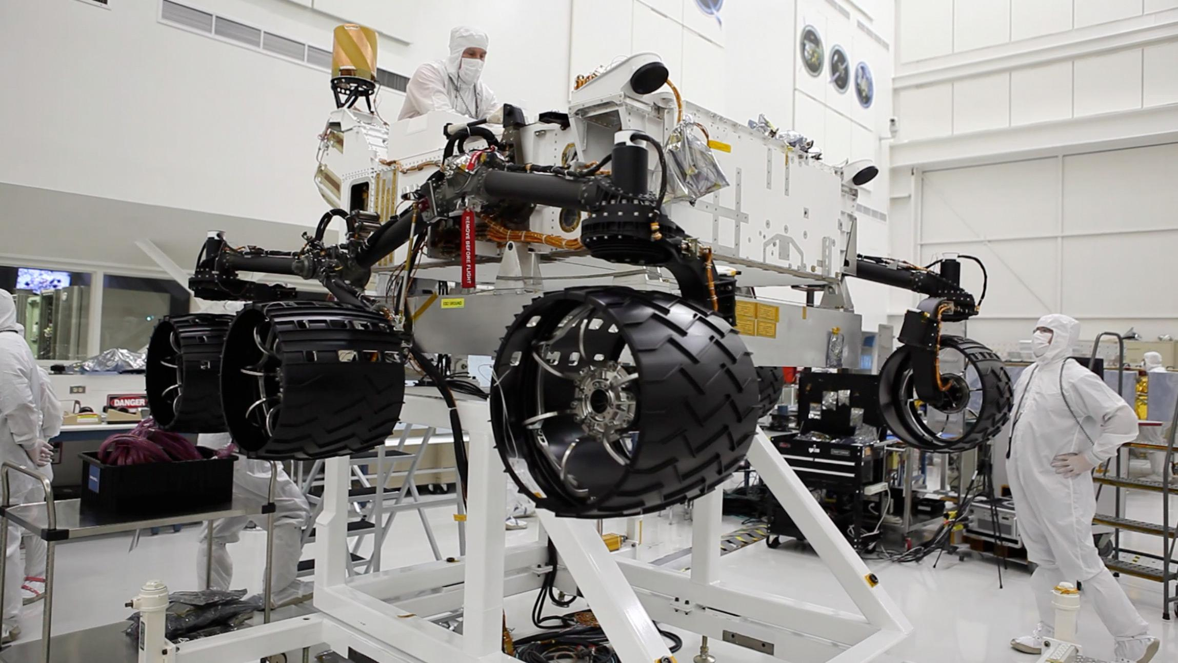 NASA - Watch NASA's Next Mars Rover Being Built Via Live 'Curiosity Cam'