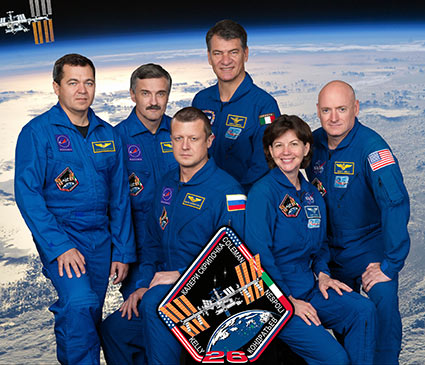 iss026-s-002 -- Expedition 26 crew