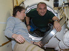 Expedition 24 makes final preparations for departure