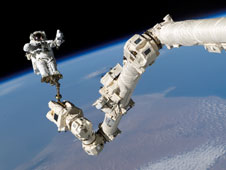 S114-E-6645: Stephen Robinson on Canadarm2