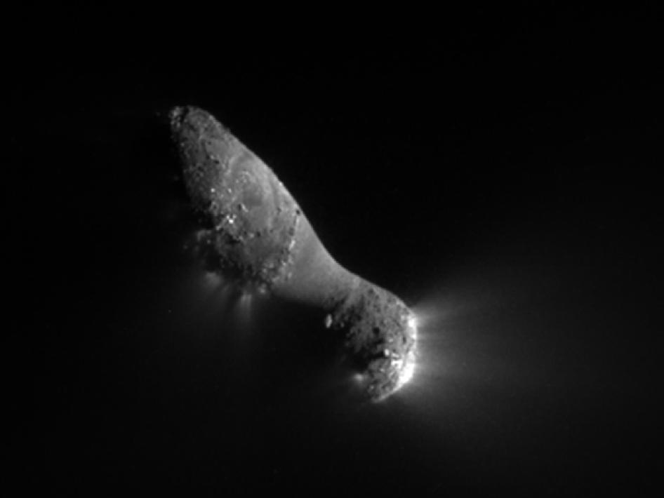 Close-up view of comet Hartley 2
