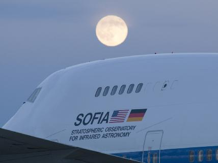 Image of SOFIA aircraft
