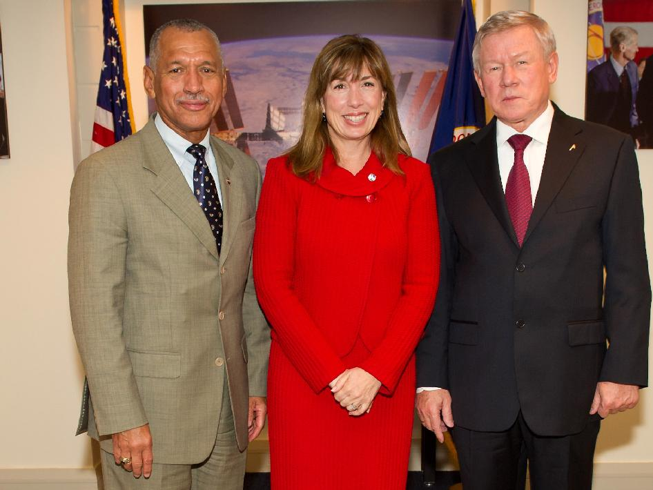 NASA Administrator Charles Bolden, left, Deputy Administrator Lori Garver and Head of the Russian Federal Space Agency Anatolii Perminov, right