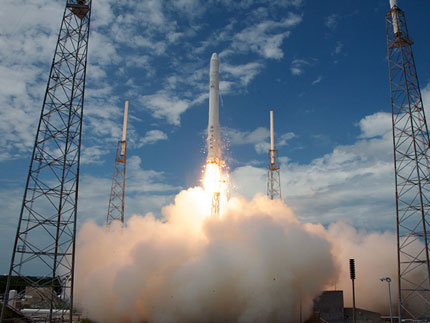 Falcon 9 lifts off on inaugural flight