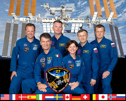 ISS027-S-002: Expedition 27 crew