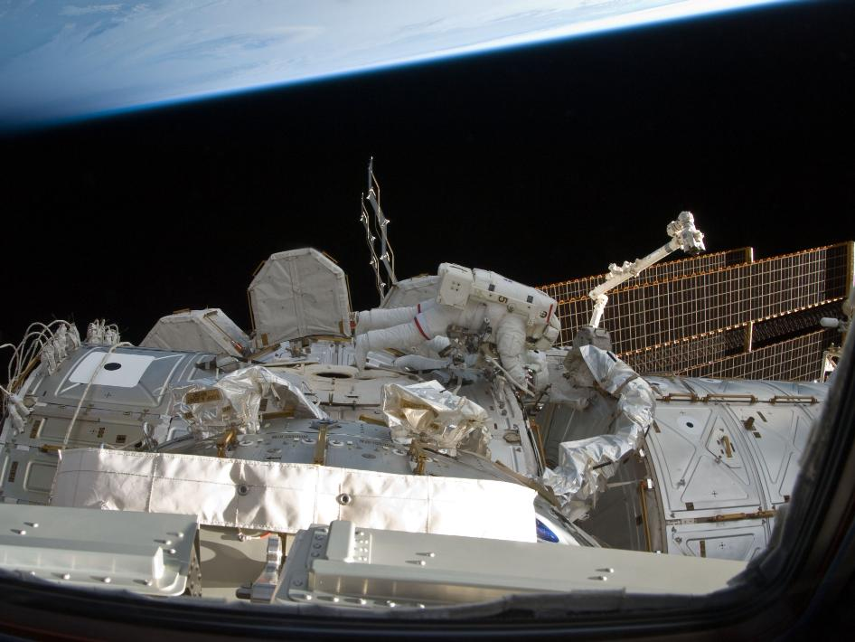 discovery,nasa images,iss,international space station,space mission