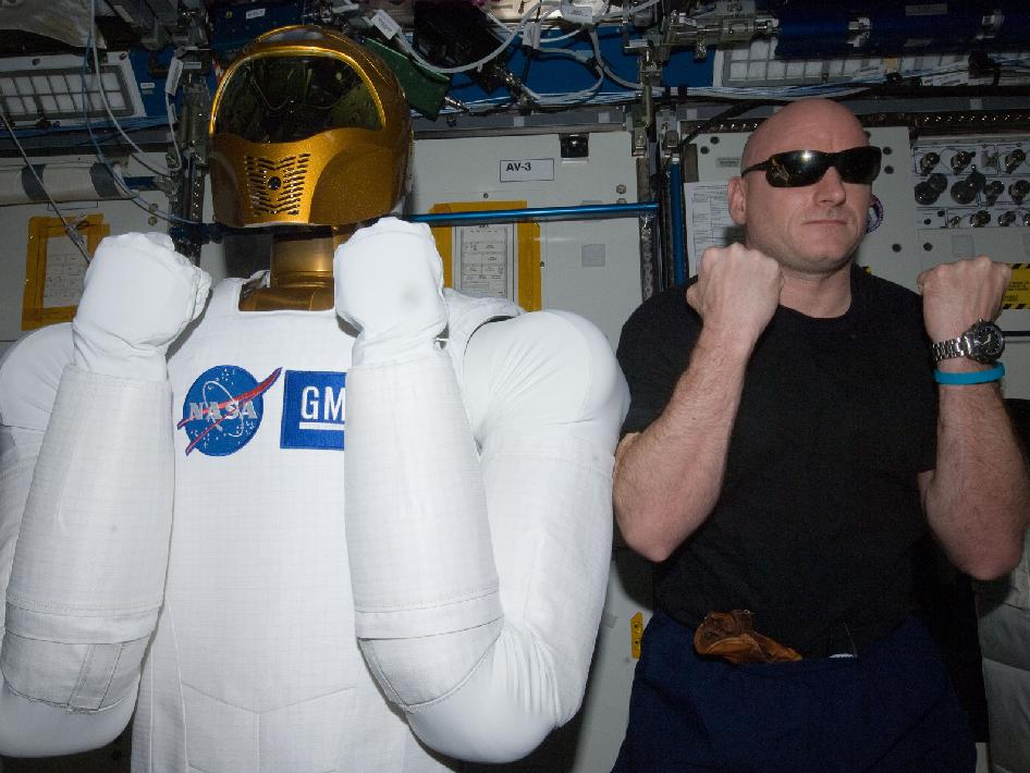 Expedition 26 Commander Scott Kelly and Robonaut 2