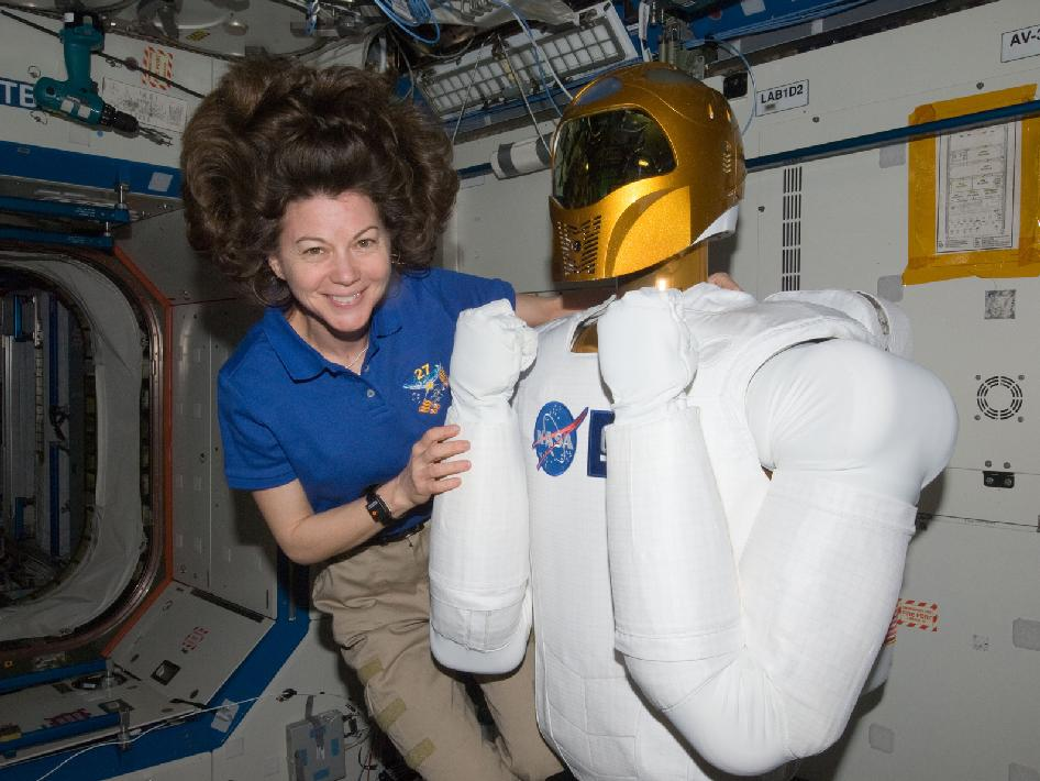 Expedition 26/27 Flight Engineer Cady Coleman and Robonaut 2