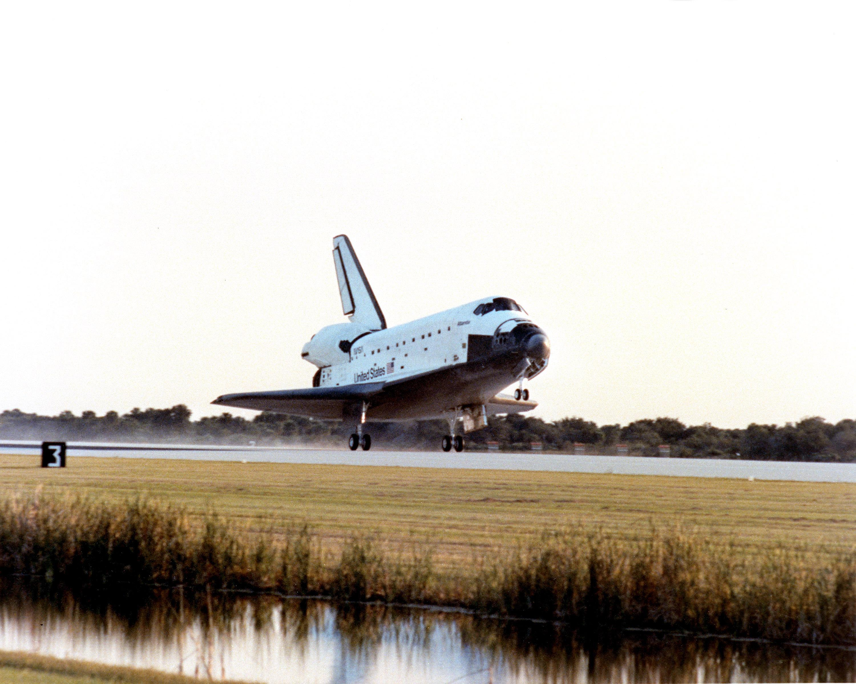 1985 nasa atlantis - photo #3