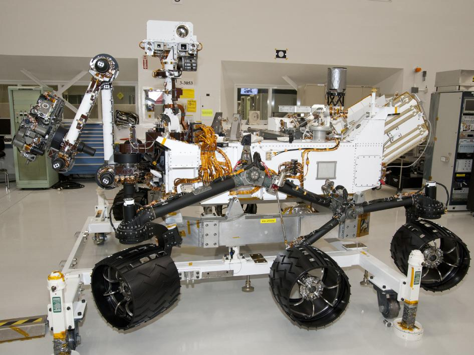 NASA - NASA Mars Rover Curiosity at JPL, Side View
