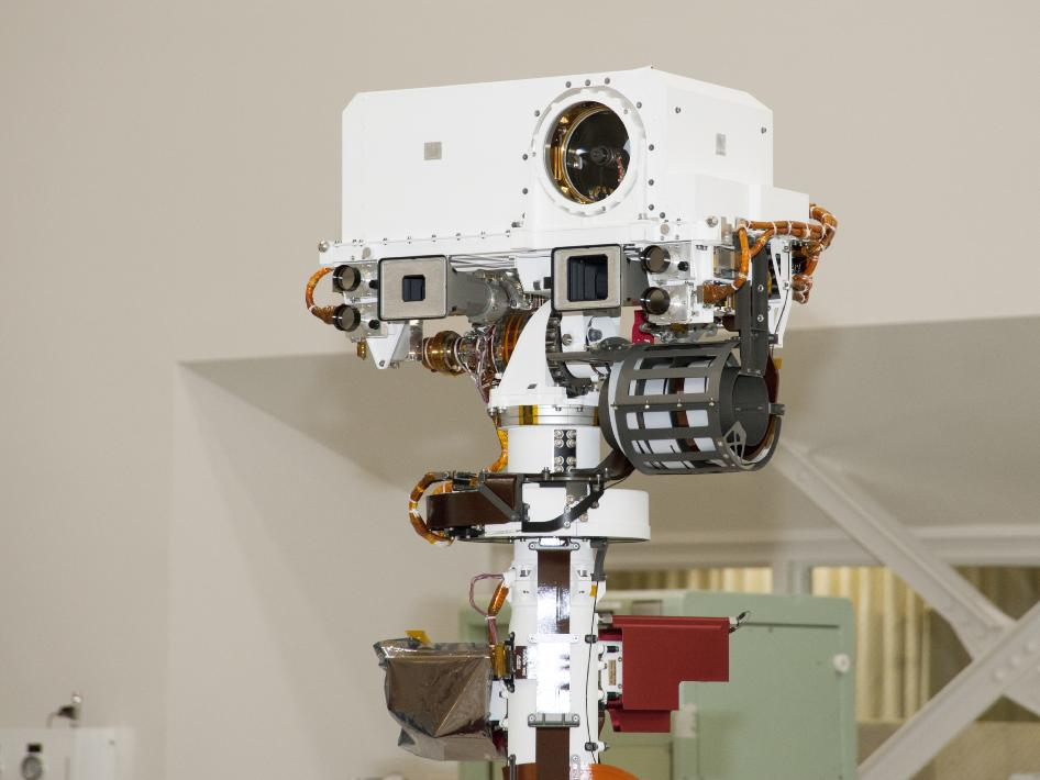 Top of Mars rover Curiosity's remote sensing mast