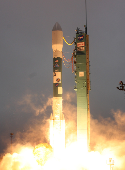 Liftoff of the Delta II rocket carrying the Aquarius/SAC-D spacecraft