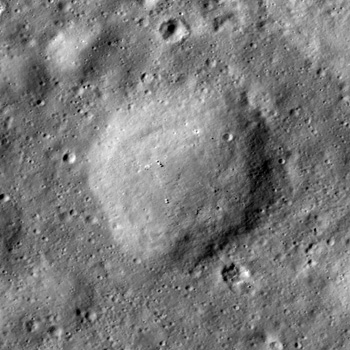 Pancake-like mound in Stevinus crater cavity