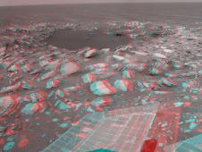 Opportunity beside a small, young crater (Stereo)