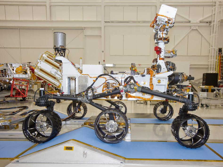 Land Rover Pasadena >> NASA - Mars Rover Curiosity, Right Side View
