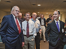 NASA Chief Technologist Bobby Braun (center) at HL-20 event