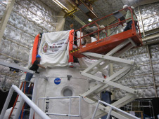 JSC personnel install the University of Wisconsin-Madison inflatable loft on the roof of the HDU.