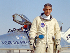 Dryden pilot John Manke in front of X-24B