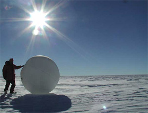 Tumbleweed rover in Antarctica.