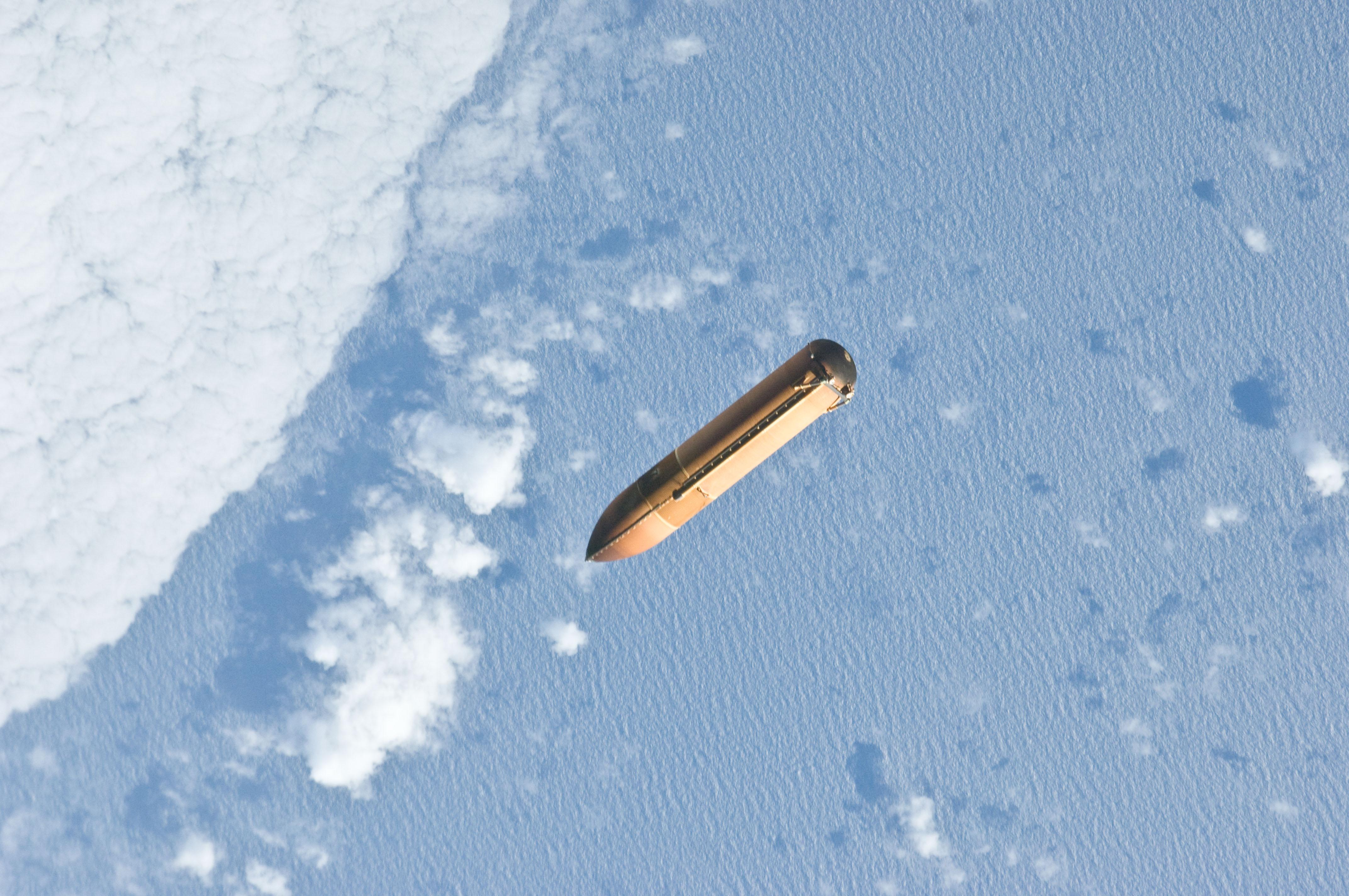 Space Shuttle Fuel Tank - Pics about space