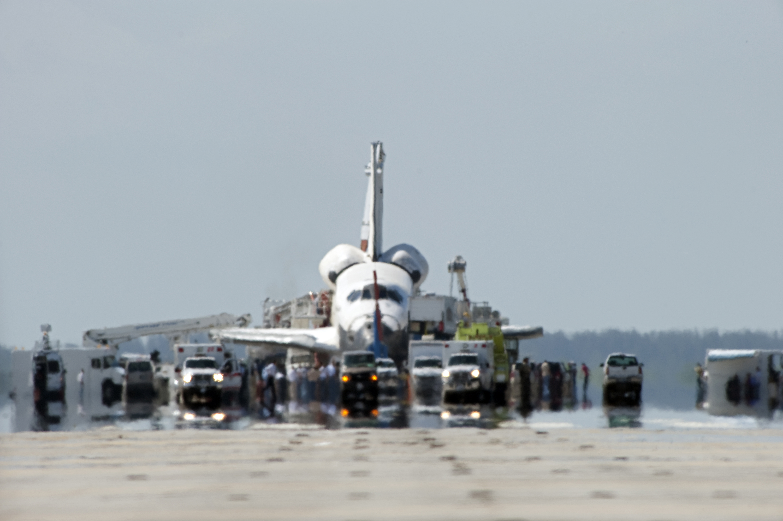 NASA - Landing Convoy Ready on the Runway