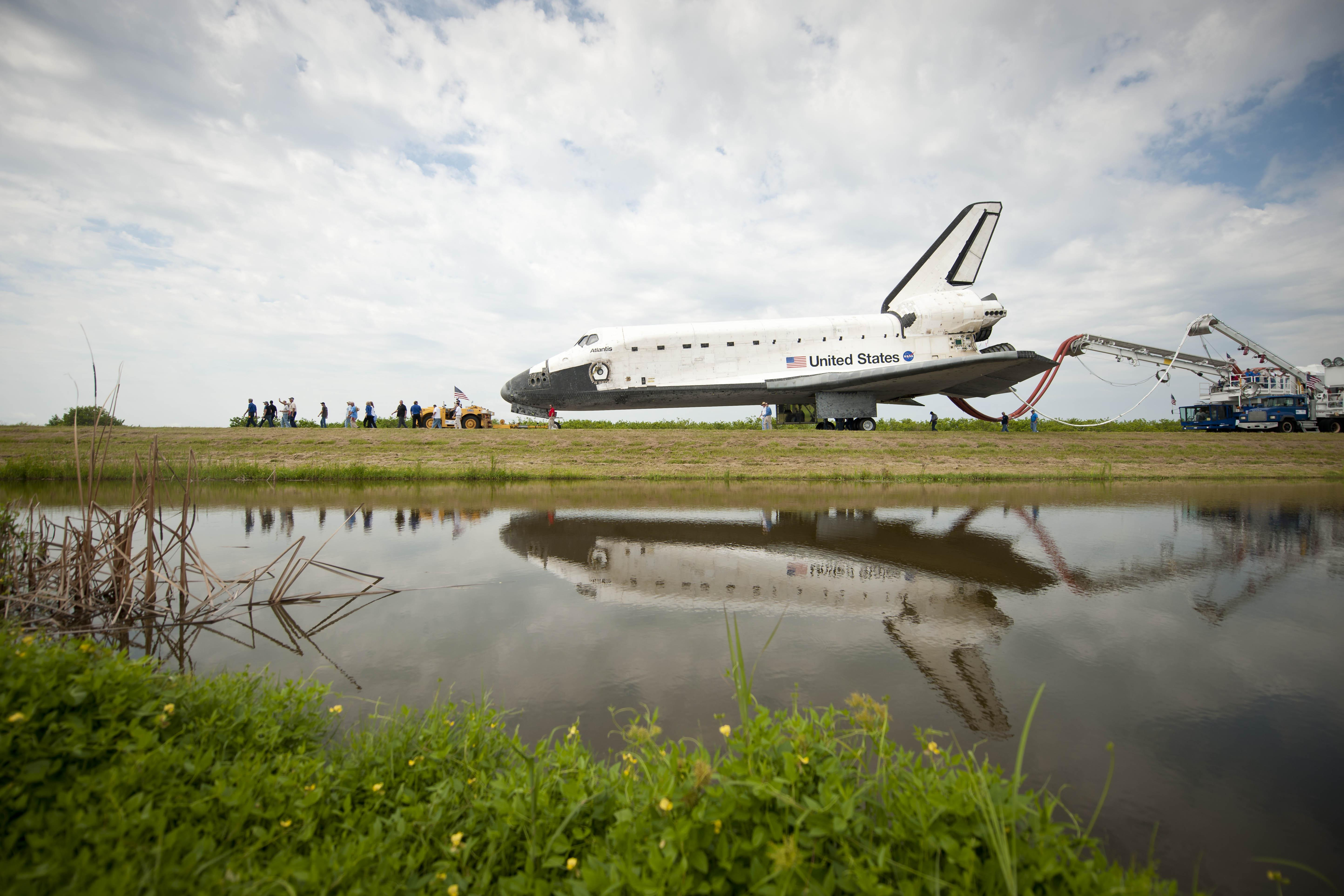 when did the space shuttle program retired - photo #22