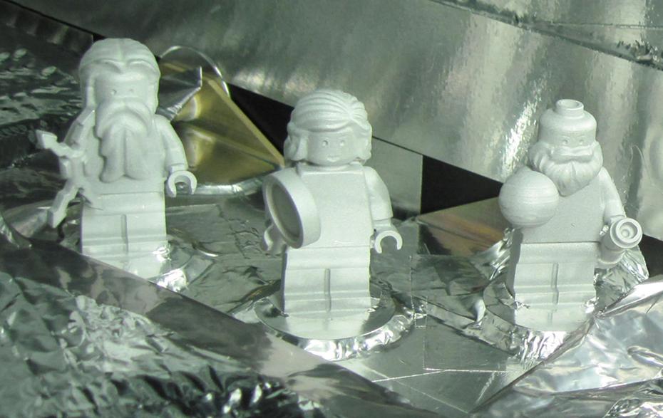 Figuras de Lego abordo de la sonda Juno