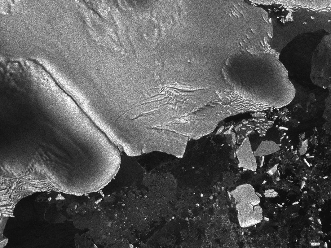 Imágen de satélite de la plataforma Sulzberger tras el tsunami
