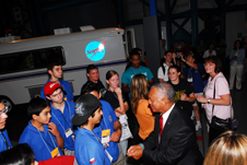 NASA Administrator talks to GAVRT students