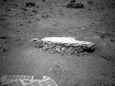 Approaching 'Tisdale 2' Rock on Rim of Endeavour Crater, Sol 2690