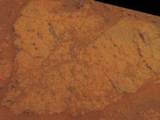 'Chester Lake' bedrock on rim of Endeavour crater