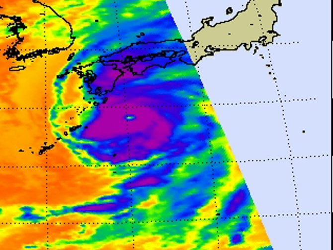 Typhoon Roke captured on this infrared image from AIRS on Sept. 20 at 0441 UTC (12:41 a.m. EDT).