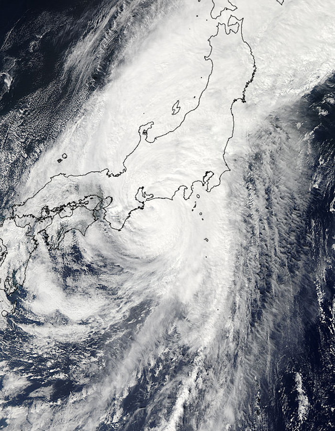 This visible image of powerful Typhoon Roke was captured by the MODIS instrument on NASA's Aqua satellite at 03:55 UTC on Sept. 21, 2011
