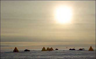 Photograph of researchers' tents in Antartica